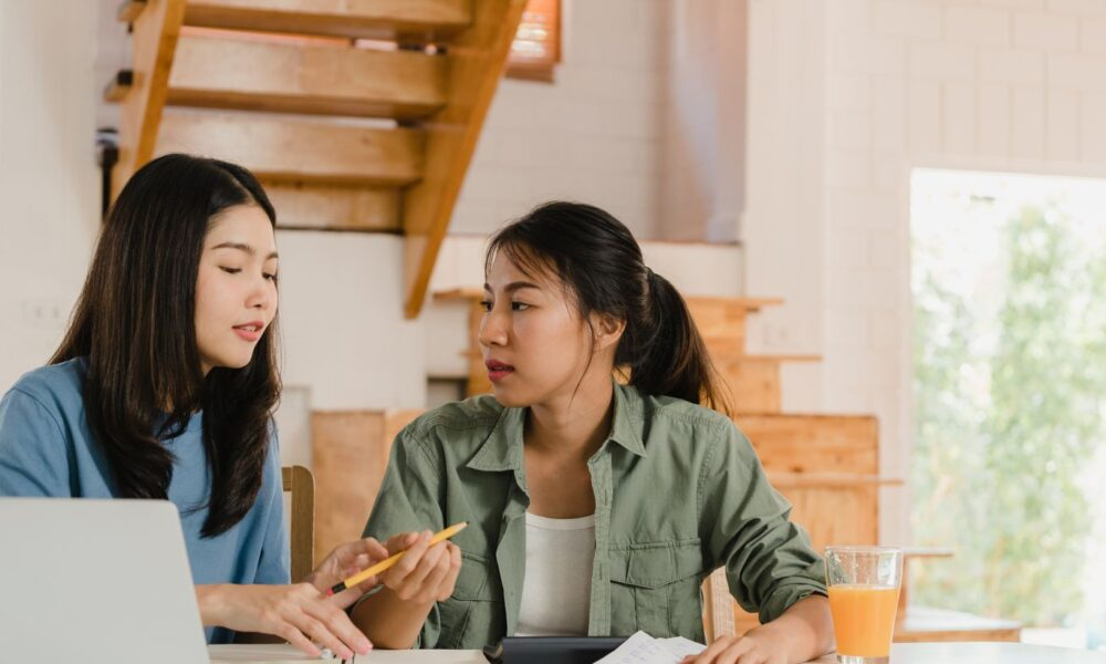 5 Trik Ampuh Hadapi Rekan Kerja Bossy dan Suka Mengatur