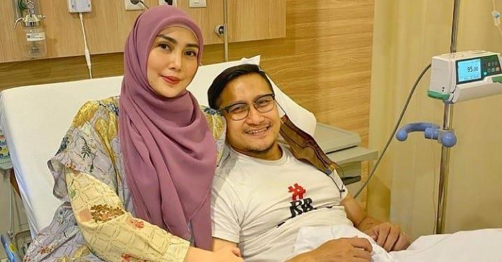 """Arie Untung Dirawat di Rumah Sakit, Fenita: """"Semoga sebagai Penggugur Dosa"""""""