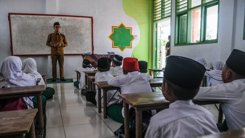 Hari Ini, Kemenag Cairkan Dana BOS Madrasah Swasta Rp3,6 Triliun