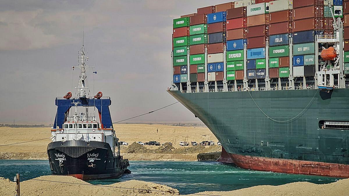 Macetnya Terusan Suez, Berimbas Pada Kelangkaan Barang
