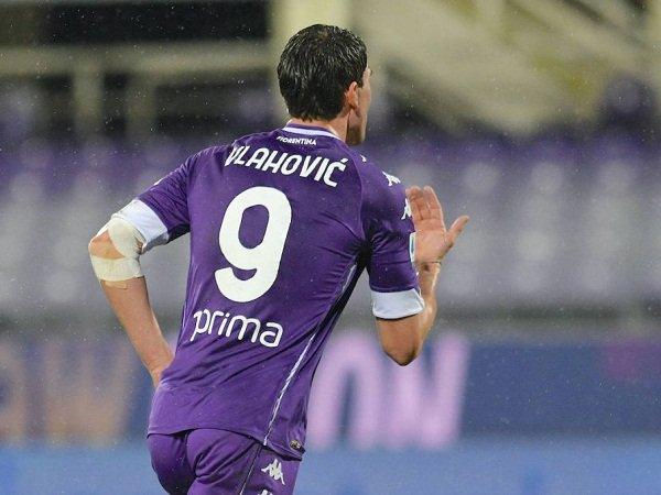 Milan dan Roma Bakal Saling Sikut Buru Dusan Vlahovic dari Fiorentina