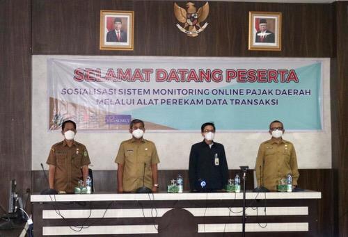 Pemko Sosialisasikan Sistem Monitoring Online Pajak Daerah Melalui Alat Perekam Data Transaksi
