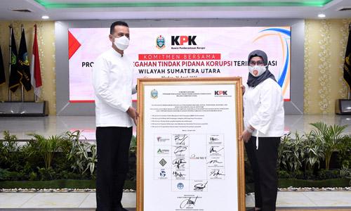 BUMD Pemprov Sumut Tandatangani Komitmen Pencegahan Korupsi dengan KPK