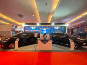Dua unit mobil mewah yaitu Toyota Vellfire 2.5 G AT tahun 2016 dan Toyota Fortuner tipe VRZ AUKSI siap dilelang oleh AUKSI pada 23 April 2021, di Hall C2 booth no 42–43, IIMS Hybrid 2021, JI Expo Kemayoran, Jakarta.