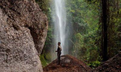 Eksotisme Air Terjun Batu Tilam, Destinasi Wisata Tersembunyi di Riau