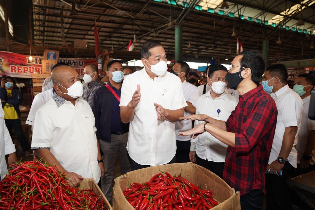 Jelang Ramadhan Mendag Sambangi Pasar Induk Kramat Jati Pastikan Bapok Cukup