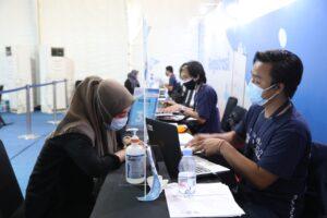 Karyawan PNM Lakukan Vaksinasi di Sentra Vaksinasi Bersama BUMN Jakarta