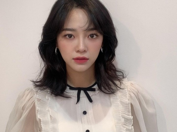 "Kim Sejeong Pertimbangkan Bintangi drama ""Today's Webtoon"""