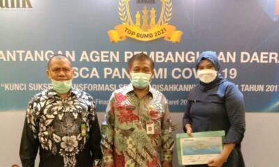 PT. BPR GMD Raih Penghargaan 33 BPR Pemda Terbaik Se-Indonesia Timur