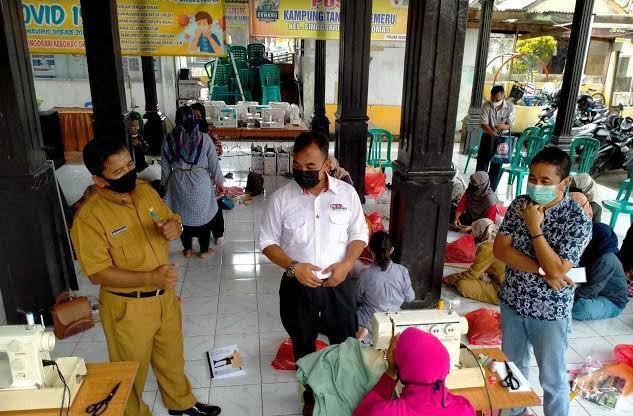PT Semen Indonesia Program SIG Gelar Pelatihan Jahit dan Pertanian