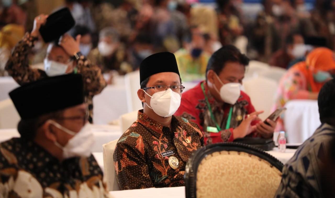Tampak, Bupati Sidoarjo, Ahmad Muhdlor Ali saat menghadiri acara penandatanganan pembentukan TP2DD di Shangri-La Hotel, Surabaya.