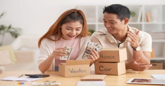 Resmi Jadi Pengantin Baru, Beli Rumah atau Mobil Dulu?