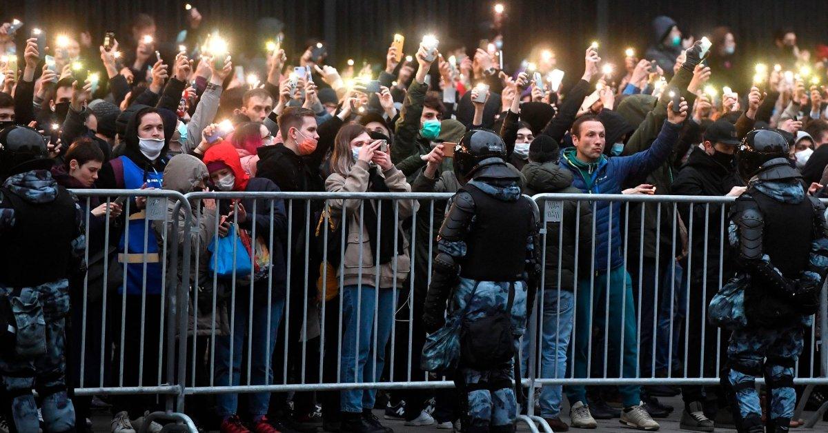 Rusia Membunuh Kritikus Terbesar Kremlin dalam Pandangan yang Jelas. Siapa yang Akan Menyelamatkan Alexei Navalny?