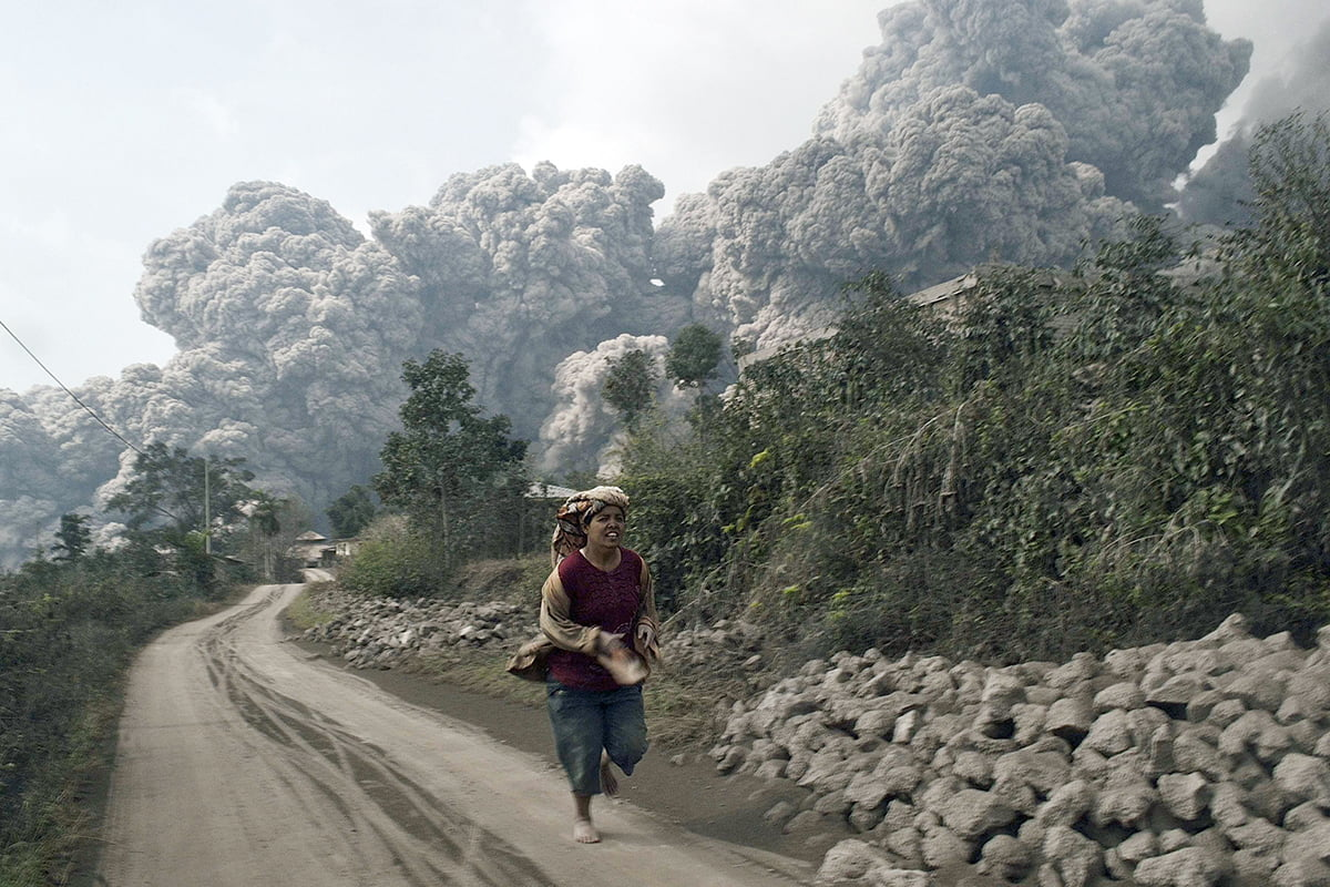 Sinabung Erupsi Lagi, Status Kembali Siaga