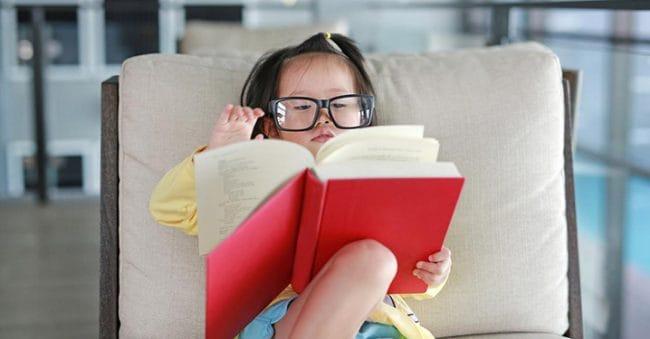15 Rekomendasi Buku yang Cocok Dibaca Anak Sebelum Beranjak Remaja