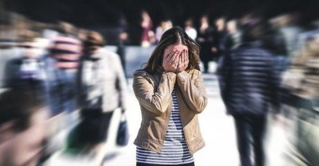 5 Tanda Anda Merasa Insecure, Begini Cara Mengatasinya