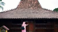 Filosofi Rumah Adat Jawa Tengah dan Jawa Timur Beserta Jenisnya