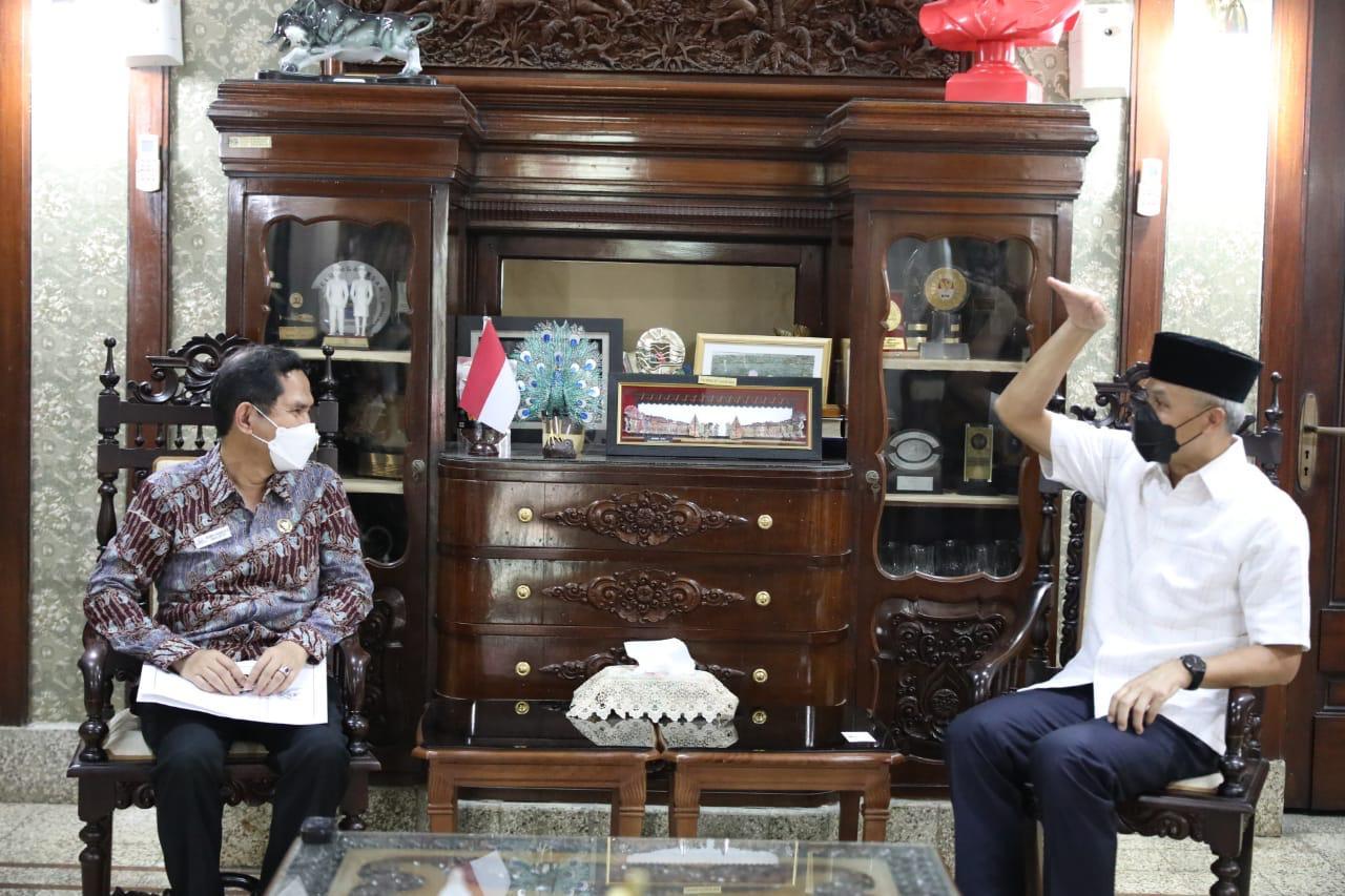 Ganjar Dukung Ombudsman Lakukan OTT Pelayanan Publik di Jateng