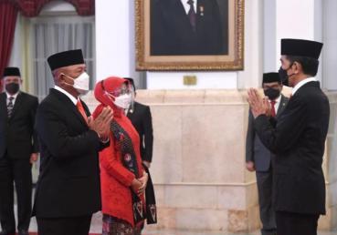 Jokowi Resmi Lantik Ganip Warsito sebagai Kepala BNPB