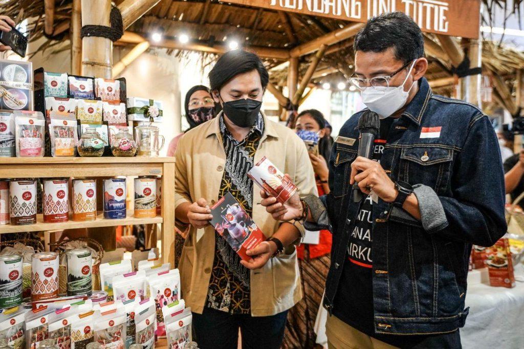 Menparekraf Ajak Masyarakat Beli Produk Lokal untuk Lebaran