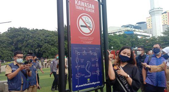 Resmikan Perda KTR, Merokok di Bandung Kena Denda Rp 500 Ribu
