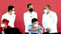 Tinjau Vaksinasi Gotong Royong, Jokowi: Vaksin Tersedia 420 Ribu Dosis