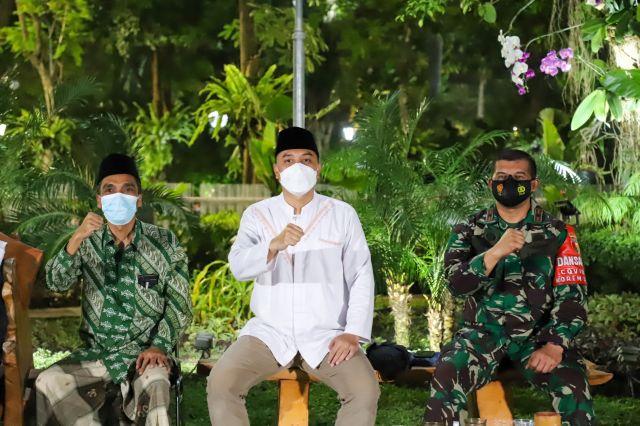 Walkot Surabaya: Masyarakat Boleh Salat Idulfitri di Masjid Sesuai Zonasi