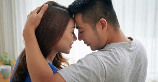 7 Posisi bercinta agar suami tahan lama di ranjang