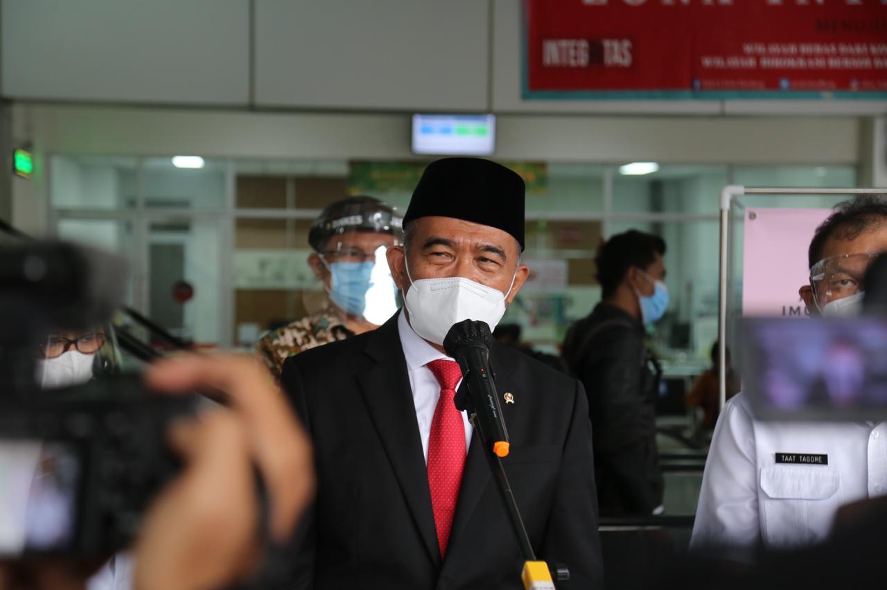 Bandung Siaga 1, Menko PMK Minta Perketat Prokes 3M
