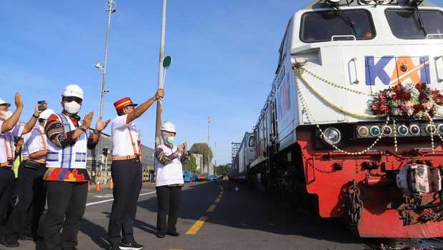 KAI Kembali Hidupkan Jalur Logistik ke Pelabuhan Tanjung Perak
