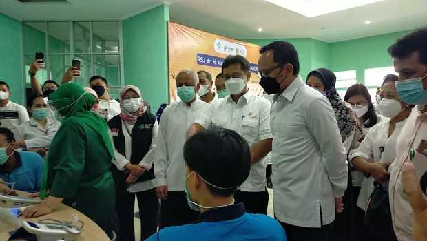 Menkes Budi Tinjau 34 ODGJ Divaksinasi Covid-19 di Bogor