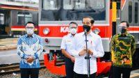 Video Jokowi Pantau Vaksinasi Penumpang dan Petugas KRL di Stasiun Bogor