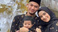 5 Potret Terbaru Rizki DA Bersama Nadya Mustika serta Putranya, Kompak dan Romantis! | theAsianparent Indonesia