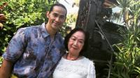 Penuh Kenangan! Ini 6 Potret Keakraban Ade Rai dan Sang Bunda | theAsianparent Indonesia